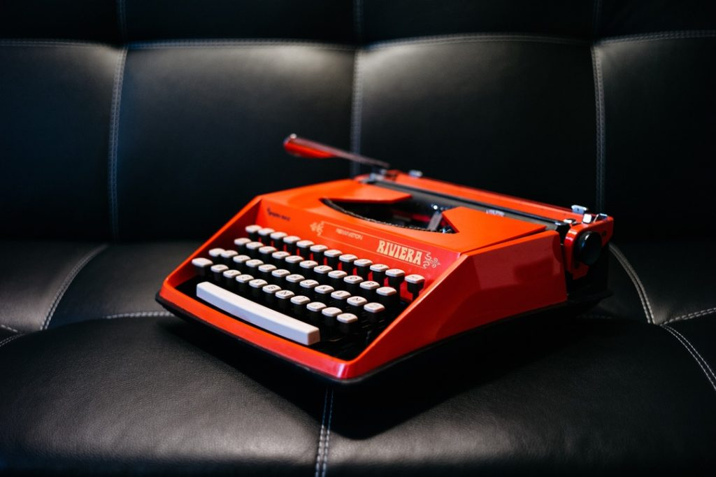 typewriter red